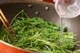 豆苗とささ身の炒め物の作り方1