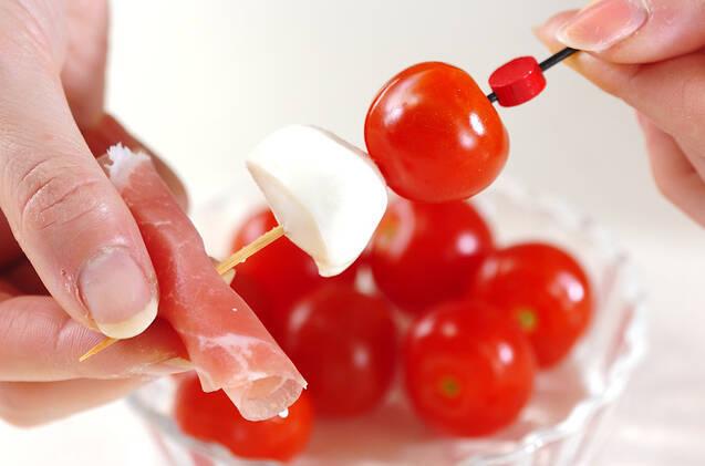 トマト&チーズ串の作り方の手順3