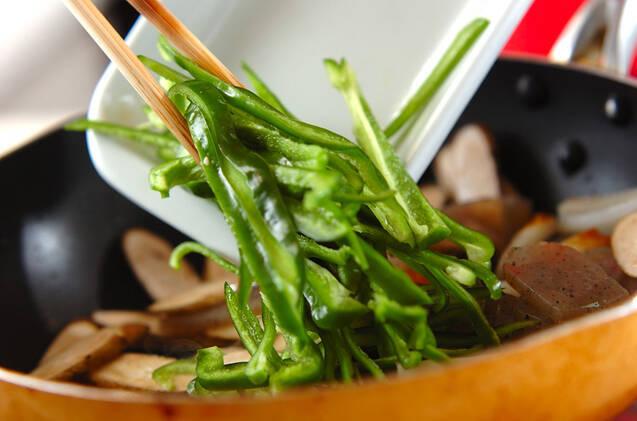 ゴボウと板コンの炒め煮の作り方の手順5