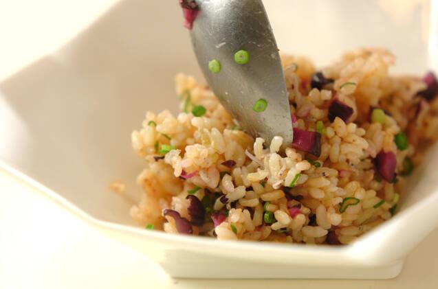 玄米を使った和風チャーハンとワカメスープの作り方の手順6