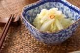 白菜のゴマ油甘酢和え