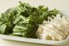 菊菜とエノキのゴマ和えの作り方の手順1