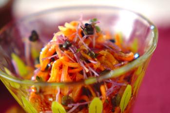ニンジンとスプラウトのサラダ