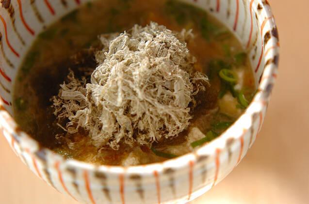 くずし豆腐のとろろ昆布のお味噌汁