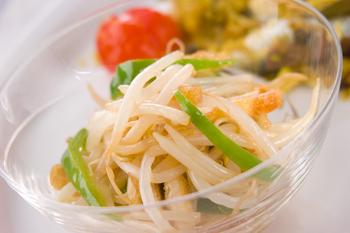 モヤシピーマンのサラダ