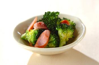 ブロッコリーとソーセージの炒め物