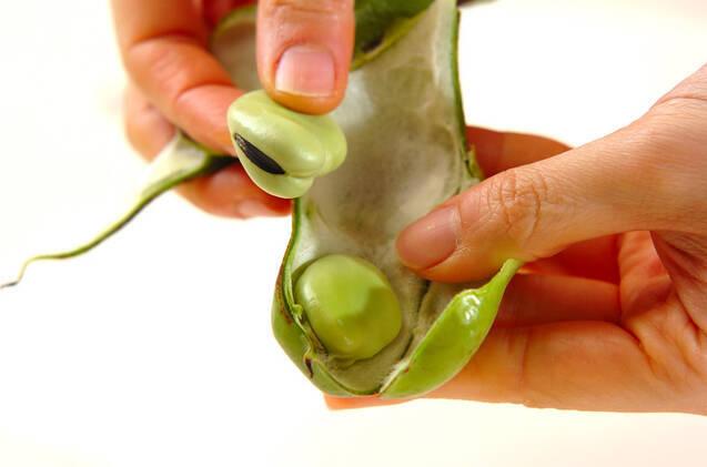 ソラ豆のだし汁漬けの作り方の手順1