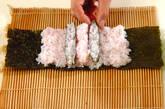 ぶたちゃんデコ巻き寿司の作り方4