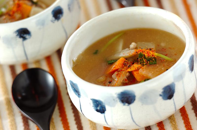 野菜たっぷりのゴマ味噌スープ