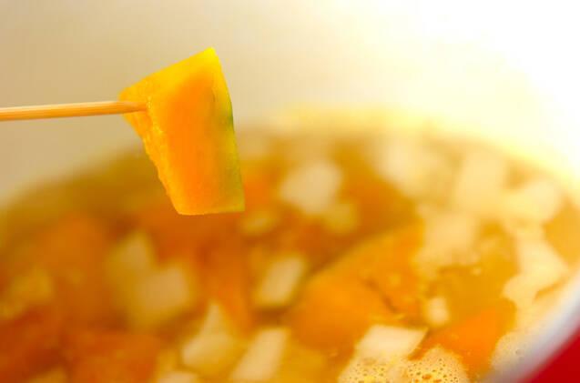 カキとカボチャのミルクスープの作り方の手順4