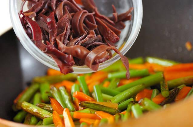 ニンニクの芽のオイスター炒めの作り方の手順4
