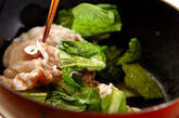 塩麹漬け豚と小松菜の炒め物の作り方3