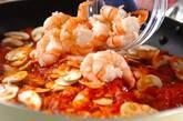 エビとトマトのチーズパスタの作り方4