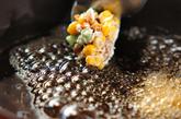 納豆とコーンの揚げ物の作り方2
