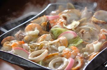 ホタテ、アサリのちゃんぽん鍋