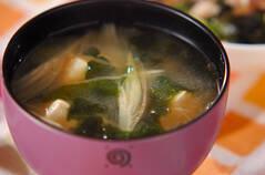 さわやかに香るミョウガと豆腐の味噌汁