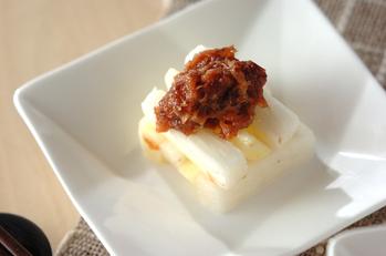 シャキシャキ長芋とリンゴの梅肉のせ