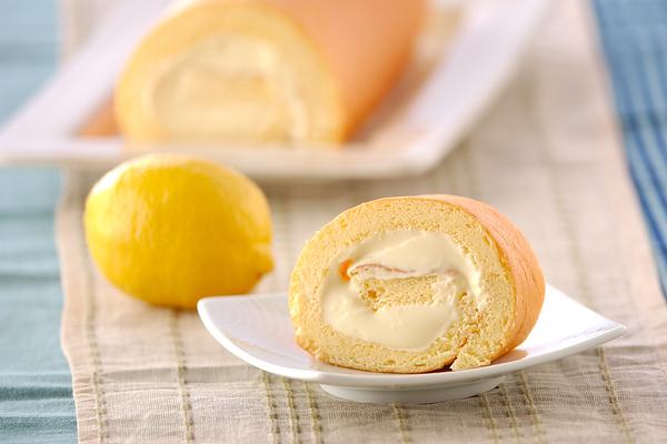 3 レモンロールケーキ