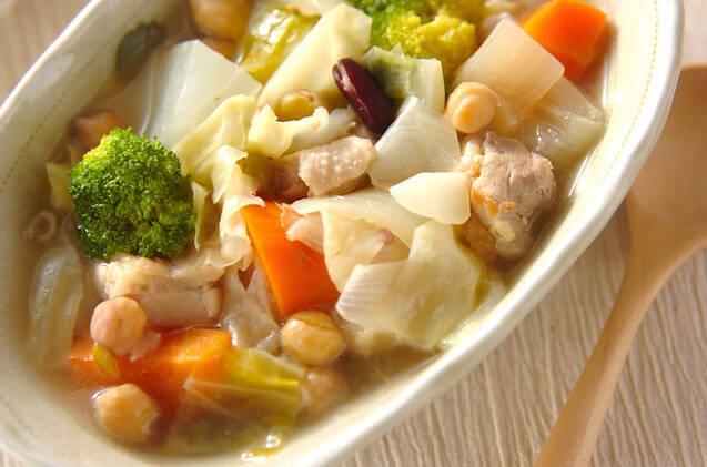 豆入りジャガのスープ
