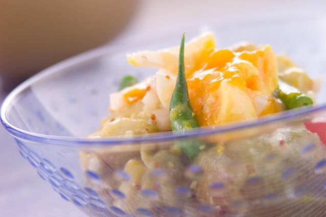なすと半熟卵のサラダ
