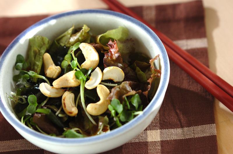 1. 簡単海藻サラダ
