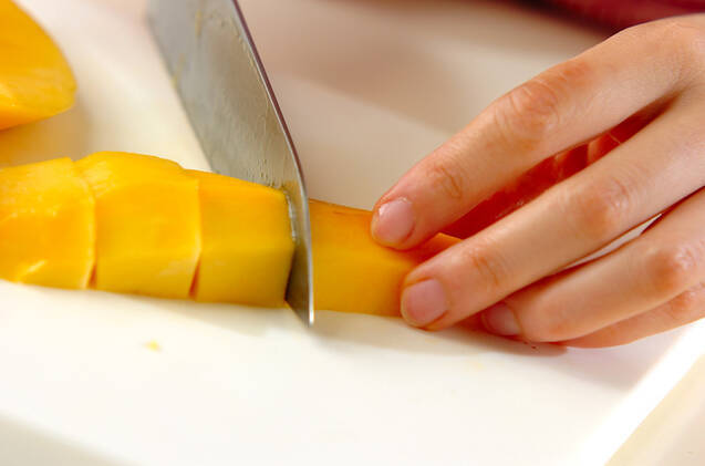 ロールケーキパフェの作り方の手順2