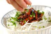 サンマ缶のピリ辛そぼろ丼の作り方4