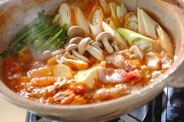 アツアツ食べてポカポカに♪豆腐が主役のおすすめ鍋レシピ10選