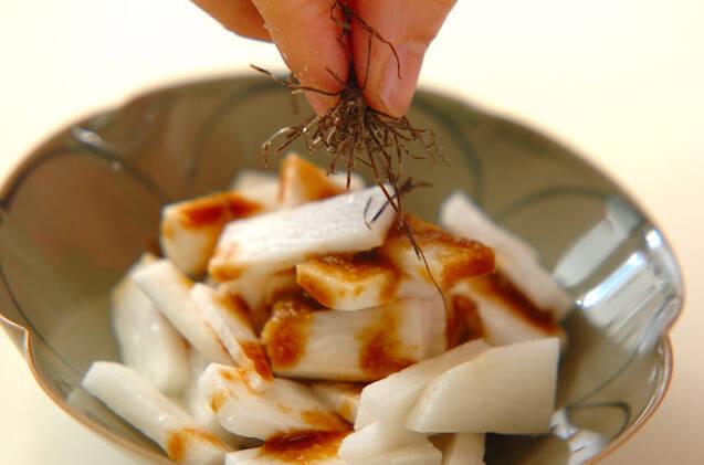 簡単おつまみ!短冊長芋のワサビしょうゆがけの作り方の手順4