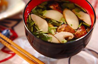 香り豊かな松茸のお吸い物
