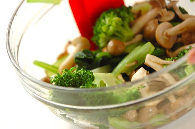 小松菜とシメジのお浸しの作り方の手順5