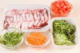 タコと野菜のサラダの下準備1