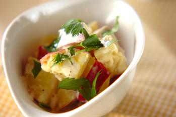 サツマイモのヨーグルトサラダ