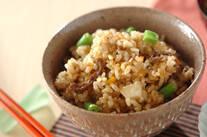 具だくさんの玄米ご飯