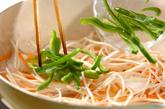 冷凍イカのゴマ炒めの作り方1