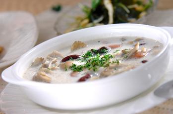 豆とキノコの白いスープ