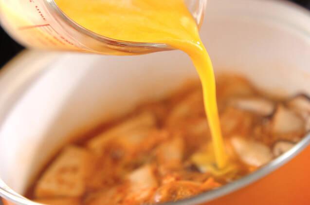 キムチと豆腐の卵とじの作り方の手順6