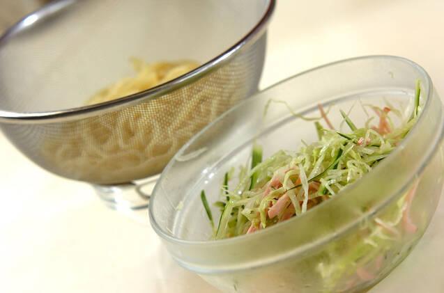 オム冷麺の作り方の手順1