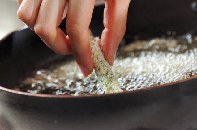 アスパラのチーズフライの作り方の手順4