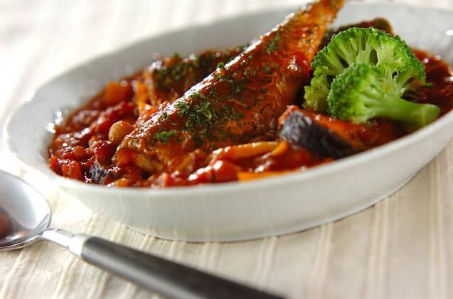 9. さんまと野菜のトマトソース煮