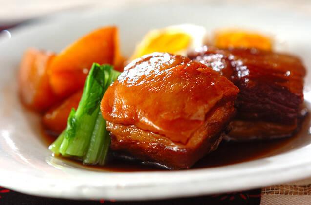 豚の角煮と煮たまごと大根と小松菜