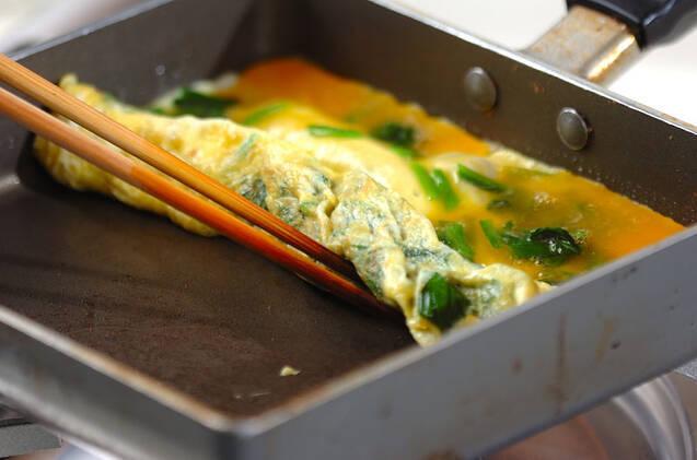 だし巻き卵の作り方の手順3