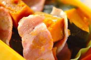 カボチャとベーコンのシンプルレンジ煮