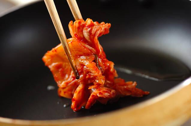 キュウリのキムチ炒めの作り方の手順2