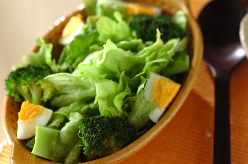 1 ブロッコリーのサラダ