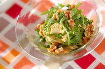 春菊と豆腐のピリ辛サラダ