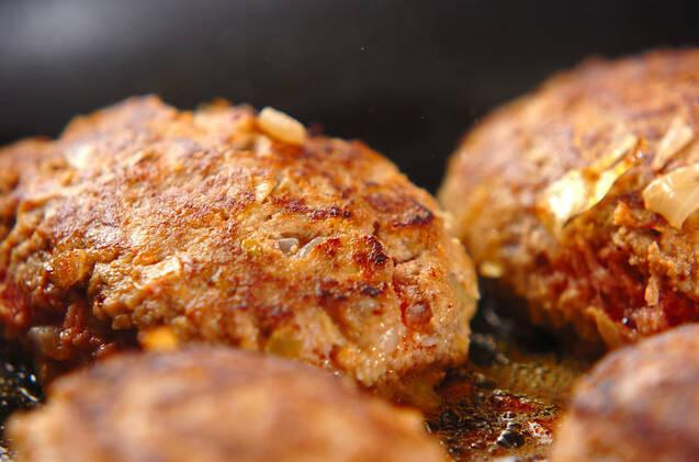 チーズ入りハンバーグの作り方の手順7
