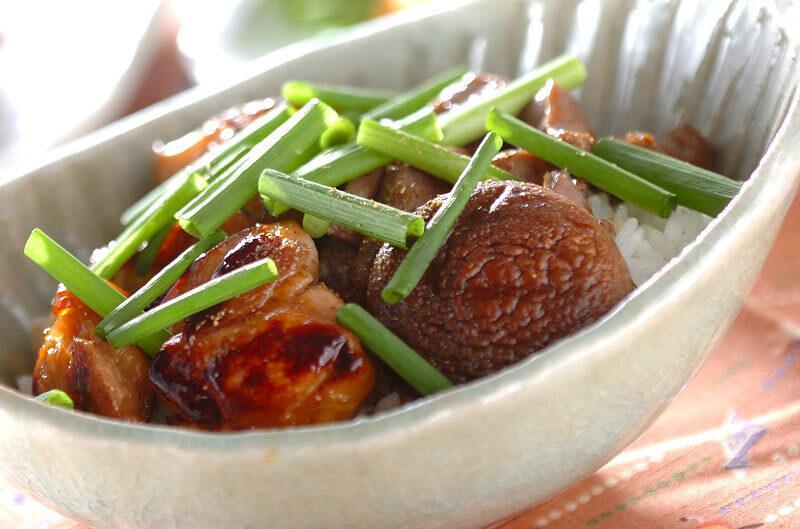 1. フライパンで簡単な焼き鳥丼