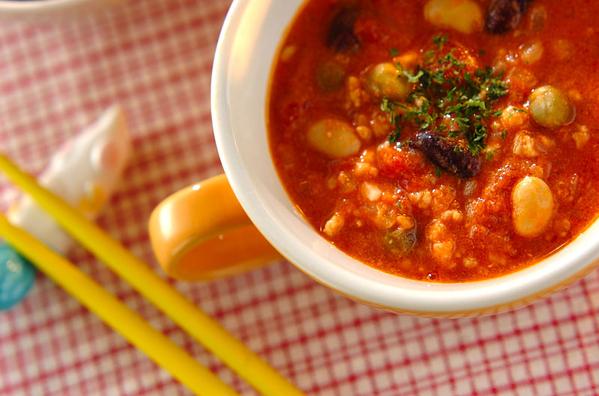 1. 鶏ひき肉と豆のスープ煮