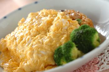 卵のせエンドウ豆入りオムライス